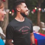 Produktbild T-Shirt kniet nieder... Essen