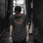 Produktbild T-Shirt kniet nieder... Zwickau